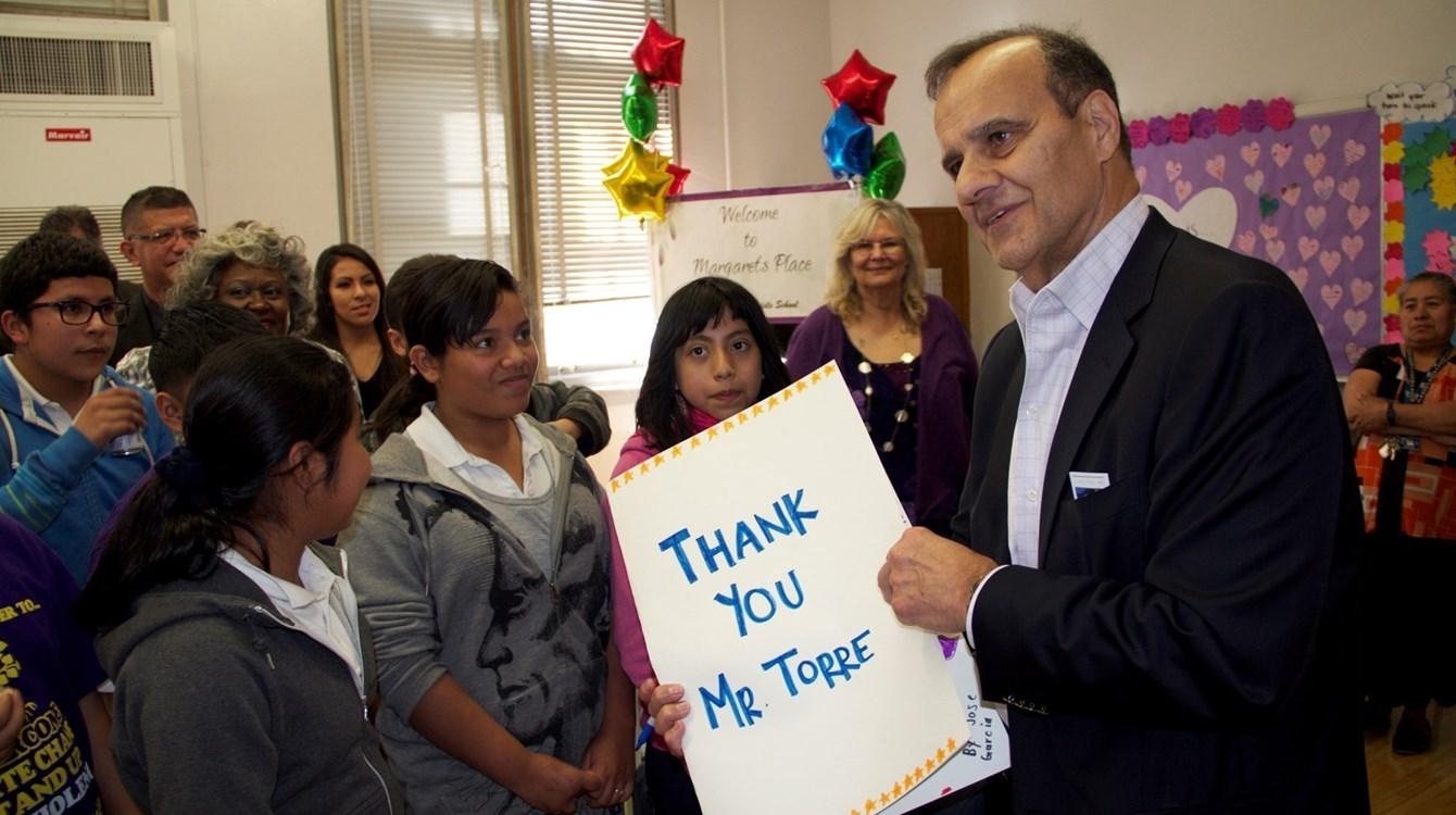 Joe Torre Named 2014 Heisman Humanitarian Winner