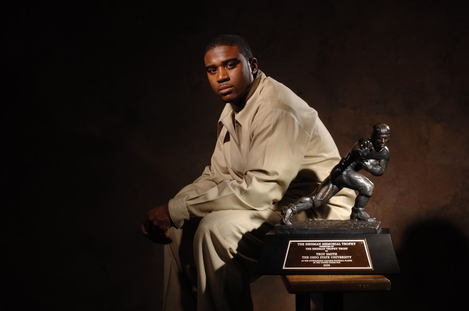 Troy Smith with Heisman Trophy Award