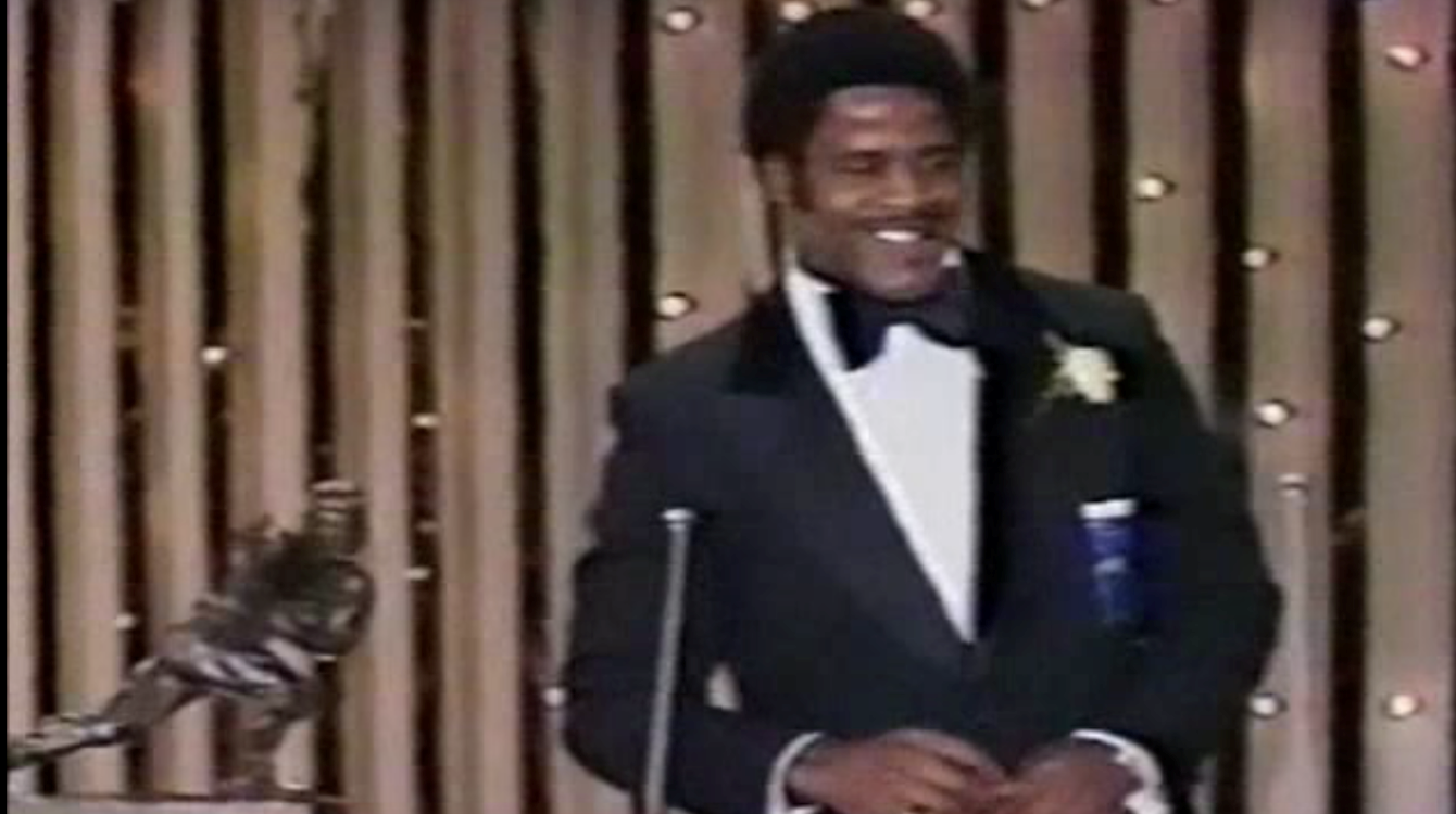Earl Campbell awarded Heisman on variety show