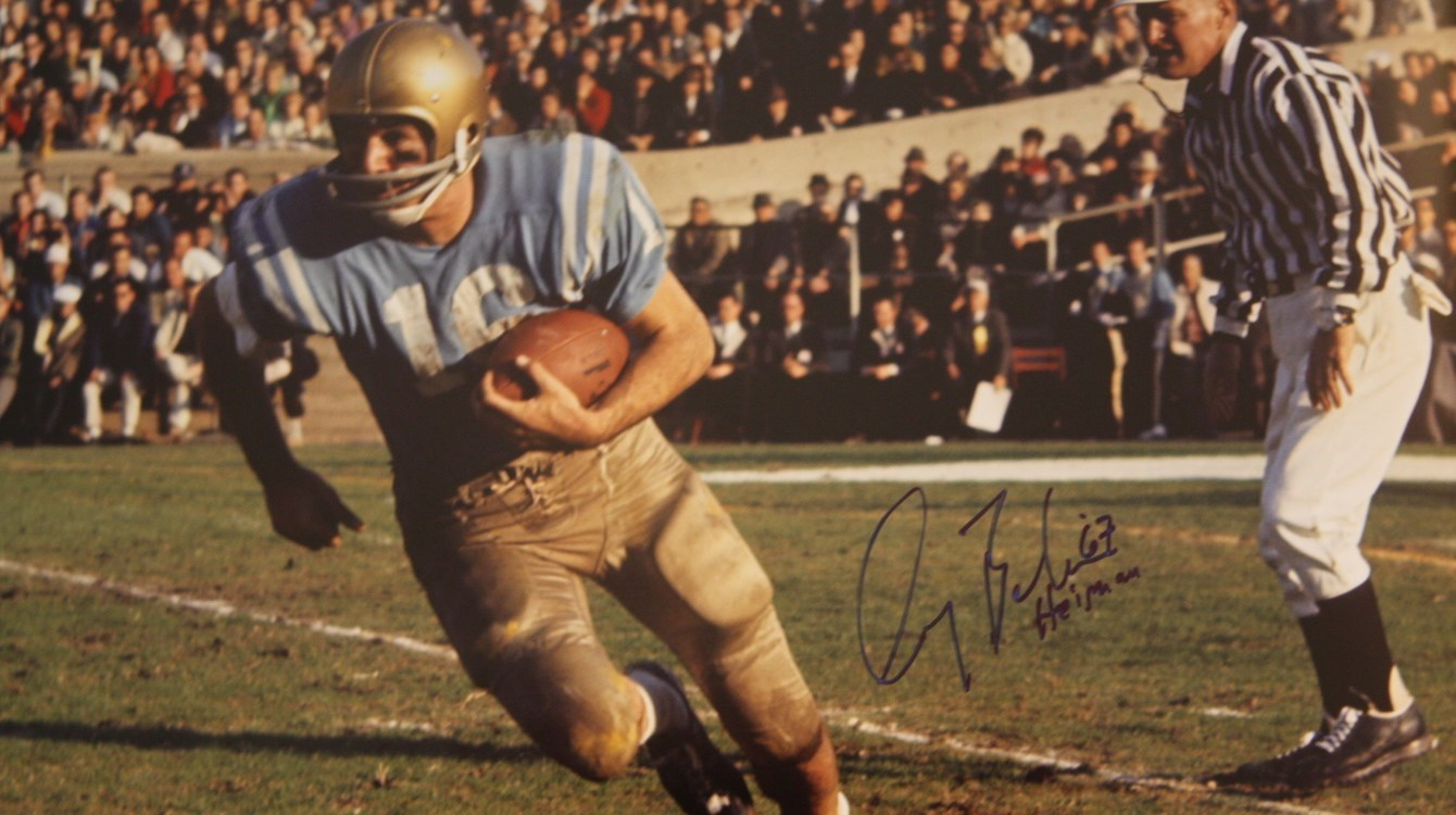Gary Beban clinches the Heisman in epic battle with USC