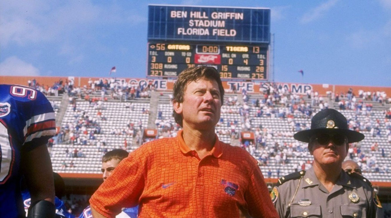 Florida to put Steve Spurrier's name on its football field